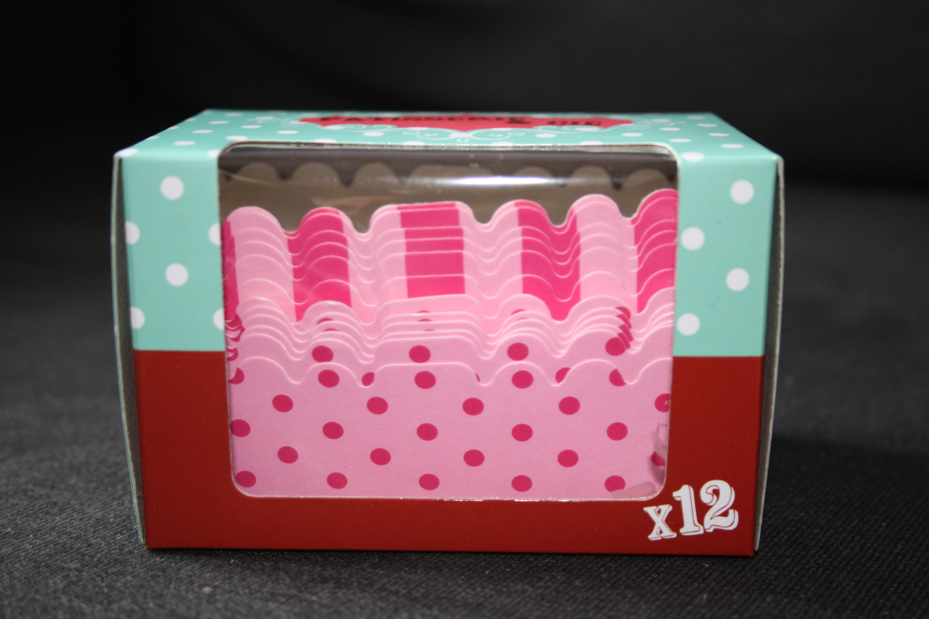 Boite de 12 moules à Cakes - 2,50€