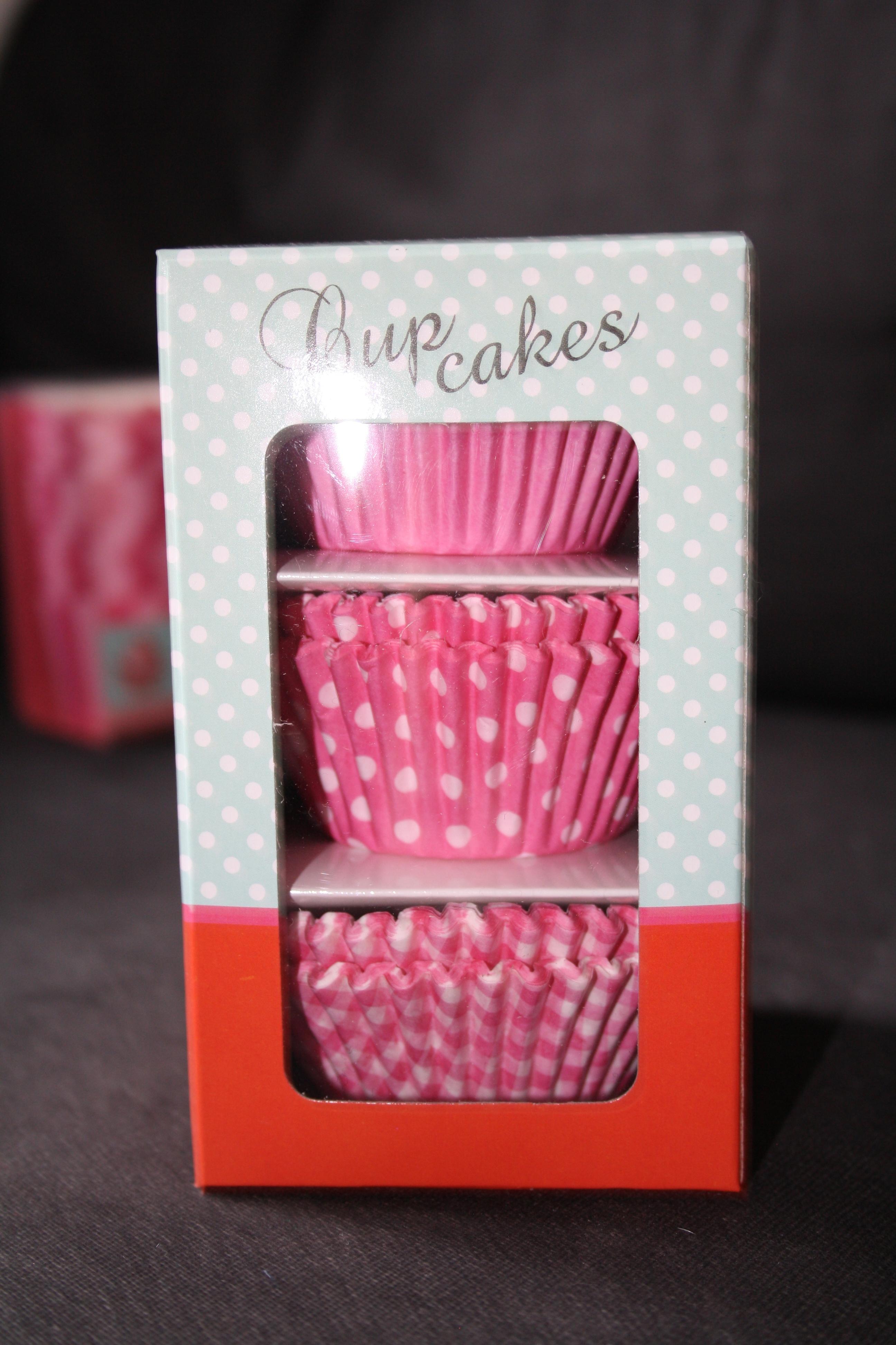 Boite de 150 moules à Cupcakes - 3,90€
