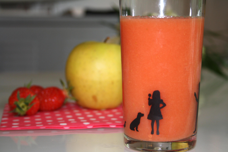 Smoothie Fraise Pomme - Mathilde et Gourmandises
